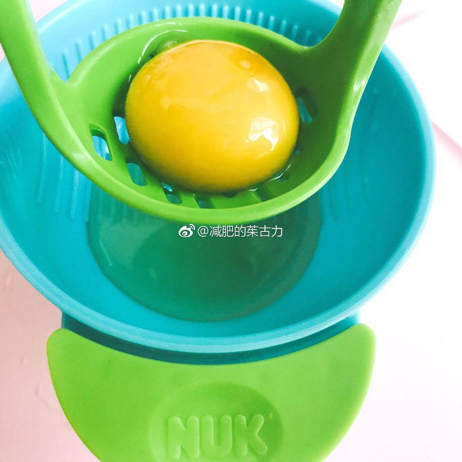 宝宝辅食:青菜鸡蛋星星面