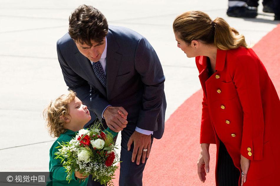 月6日,柏林,加拿大总理贾斯廷·特鲁多( Justin Trudeau)和妻子