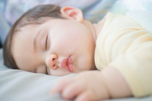 不只宝宝会缺钙 妈妈生娃后腰酸背痛多缺钙