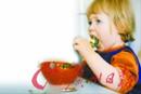 孩子吃饭慢要训练牙齿舌头