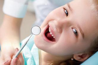 孩子5岁前每隔3-6个月做一次口腔检查