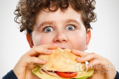 暑假期间 警惕孩子因大吃大喝变得肥胖