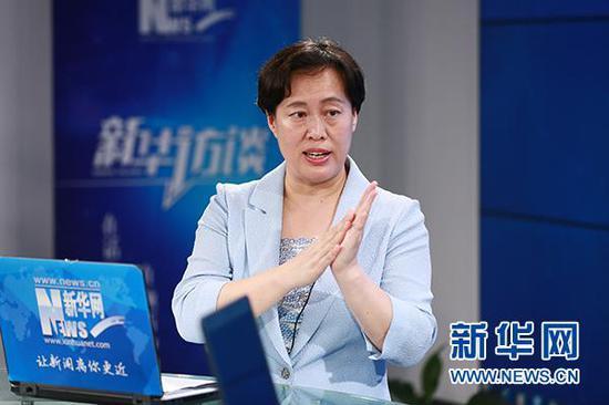 山东省中医院小儿推拿中心科主任于娟做客新华会客厅