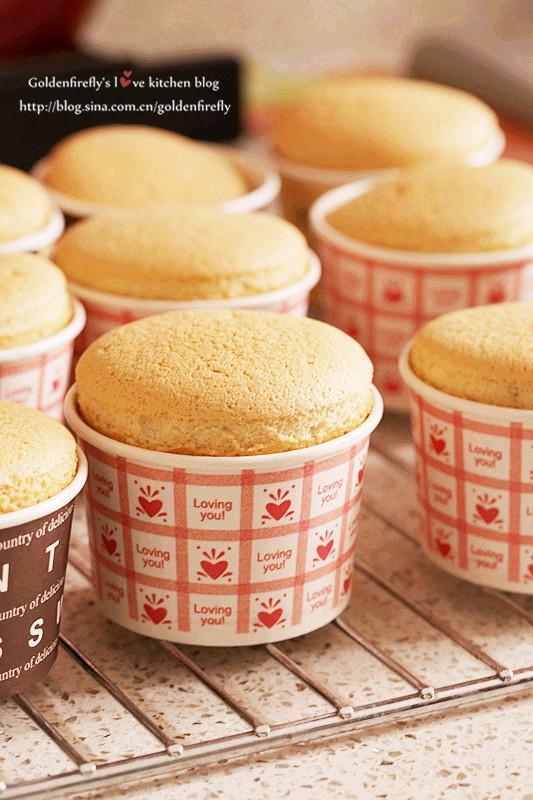 棉花糖奶油杯子蛋糕