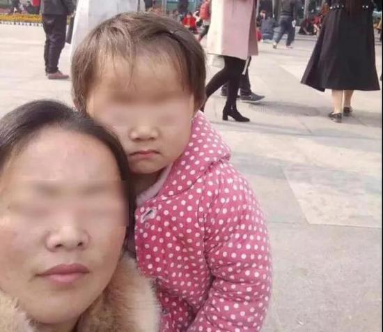 ▲雅雅和妈妈/资料图