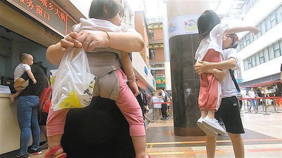 广州儿童医院就诊的患儿(资料图) 羊城晚报记者 陈秋明 摄