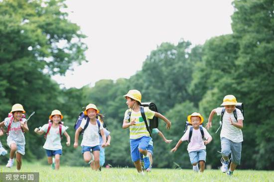 资料图片:日本小学生(视觉中国)