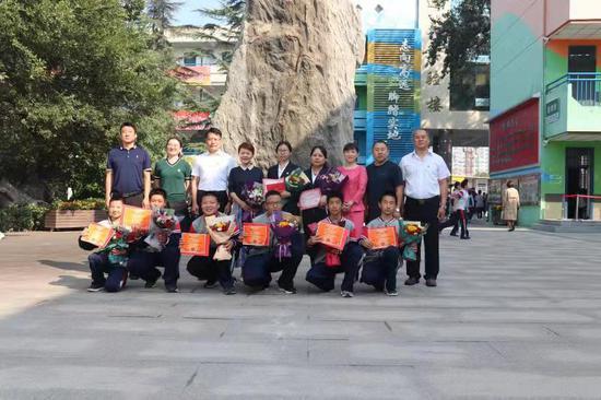 6名学生受到表扬。受访者供图