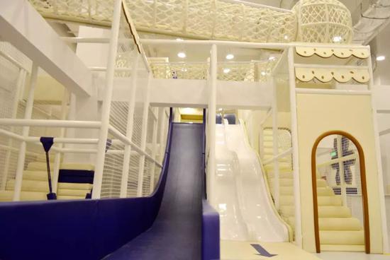 魔鬼大滑梯、欢乐海洋球池这里都有,树屋蹦床一应俱全。