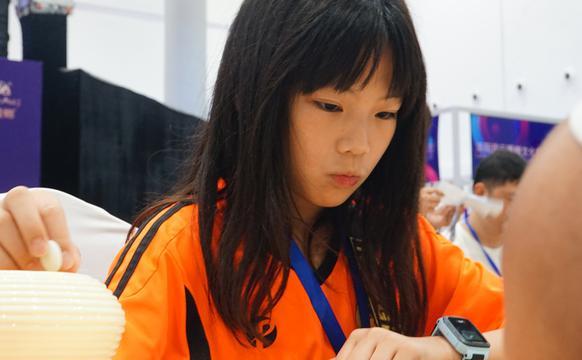 萌娃参加围棋大会大奖赛