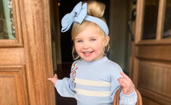 3岁蝴蝶结控宝宝的穿衣法则