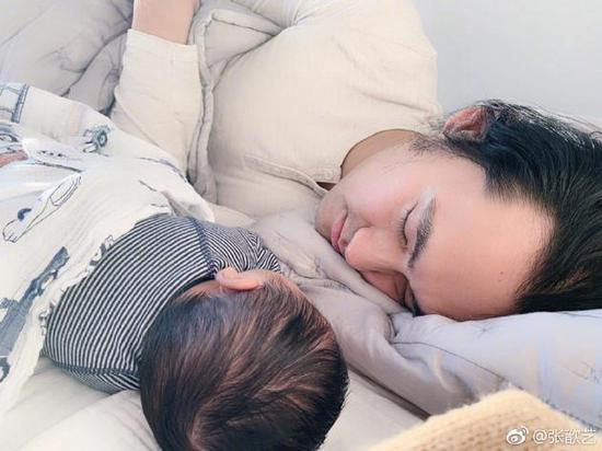 张歆艺和宝宝