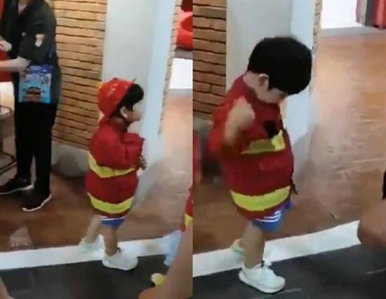 小海绵扮消防员