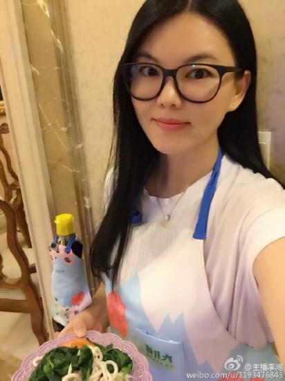 李湘微博截图