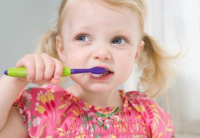 平均每娃6颗坏牙 权威医生谈牙齿保健