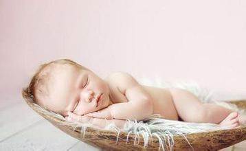 """父母必学技能:对睡眠中的孩子""""察言观色"""""""