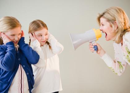 专家建议:父母别带着情绪教育孩子