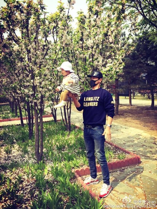 张亮和女儿