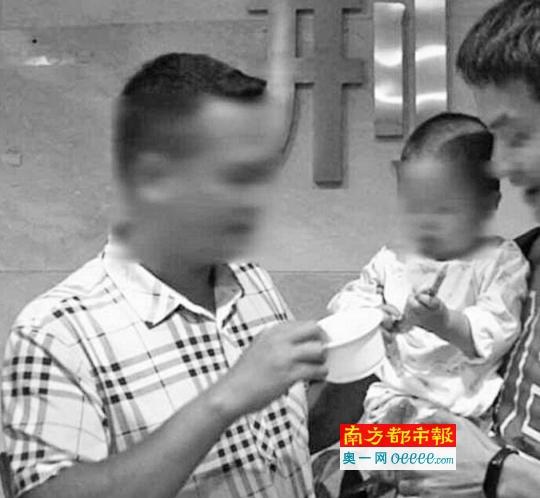 被母亲卖掉的男孩被警方成功解救。通讯员供图