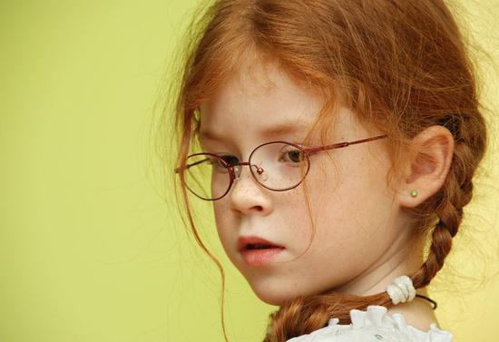 究竟用什么治疗孩子的近视才好?