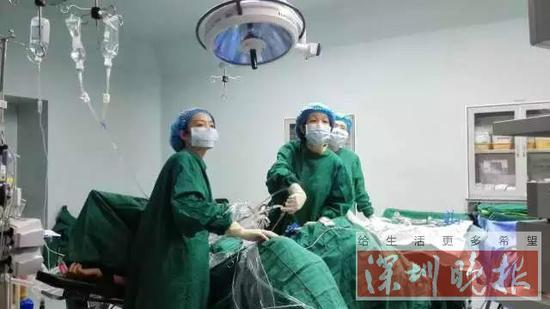 产妇和新生儿被安全快速转移到产科病房。