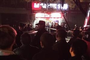 男子酒后劫持4岁女童刀抵脖子 警方2小时救人