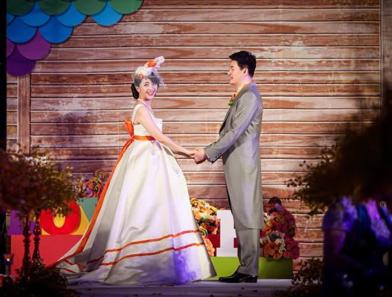 黄小蕾与老公结婚照