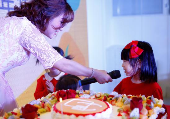 欧拉联合创始人夏磊先生的宝宝玉儿与欧拉同天生日