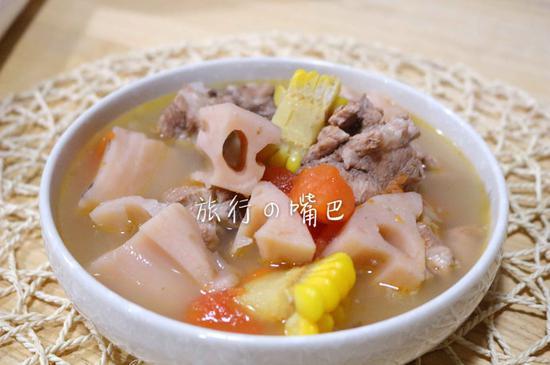 一碗玉米排骨莲藕汤暖身又营养(图)
