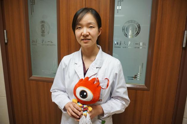 新浪育儿专访了北京大学第一医院妇产儿童医院儿科主治医生廖莹