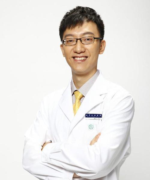 顾中一,北京友谊医院营养科营养师、北京营养师协会理事
