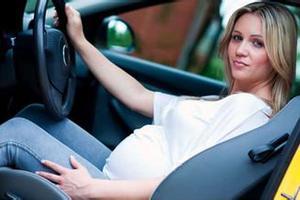 孕妇驾车为何被拦住?