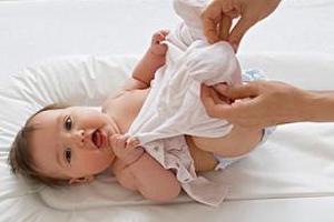 家有新生儿 穿衣有窍门