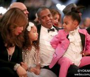 碧昂斯老公携女儿亮相格莱美