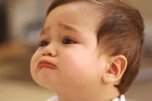 """""""哭了不抱,不哭才抱""""这种观点害了多少孩子"""