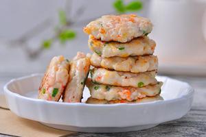 教你制作口口生香的鲜虾萝卜饼(图)