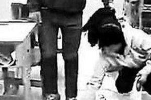 男教师被指酒后殴打女学生 校方:无肢体冲突