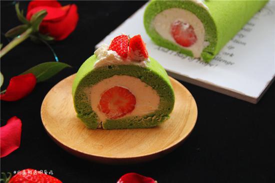 菠菜也清新--菠菜草莓蛋糕卷(图)