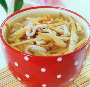 黄花菜煲汤