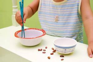 8个筷子游戏,好玩又益智,让孩子变机灵