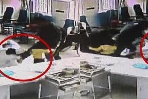 两名护士被一男子踹翻在地 因多扎孩子一针(图)