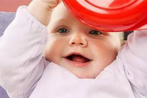 母乳喂养的婴儿不需喂水