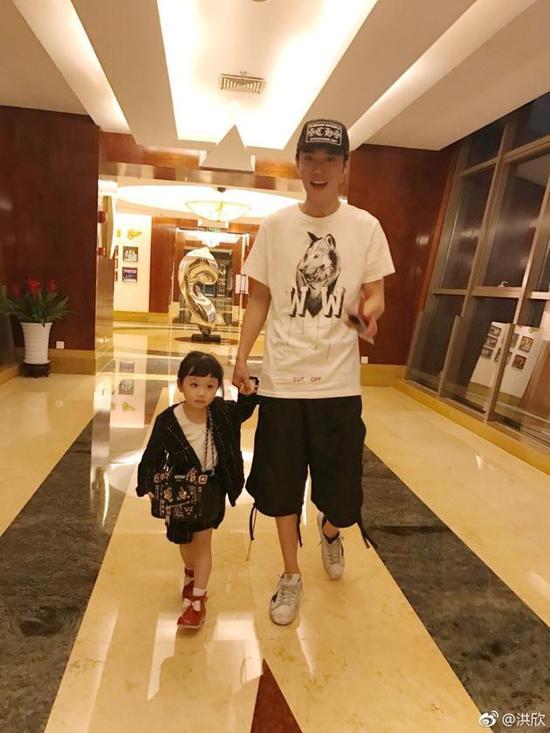 张丹峰和女儿