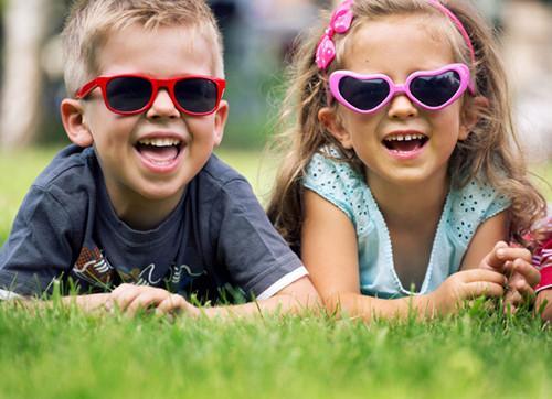 妈妈们注意了!不是所有孩子都可戴太阳镜