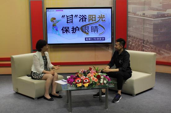 北大第一医院小儿眼科主任、主任医师李晓清做客新浪育儿直播间