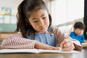原来让孩子正确握笔这么简单!