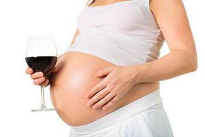 孕妇喝酒 影响孩子容貌