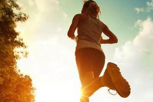 14岁少年体重220斤 晨跑后患上老年病瘫痪失语
