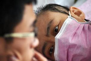 母亲患白血病隐瞒1年多 儿子高考前得知未揭穿