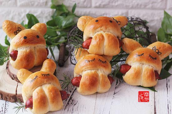 小兔子热狗面包